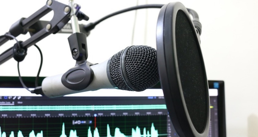 microphone image by Florante Valdez from Pixabay
